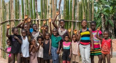 Happy children of Buigba Town - recipients of a new well from Concern. Photo: Gavin Douglas/Concern Worldwide.