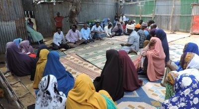 YouthLink and Concern BRCiS staff jointly facilitating Goal Free Communication with Gaheyr community in Wadadjir Banadir region, Somalia, 2019. Photo: Hussein.