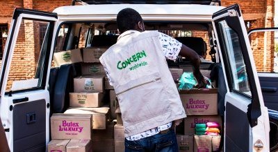 Concern Malawi's team of 120 staff are responding to a worrying rise in Covid-19 cases and deaths. Here Concern is delivering soap to communities.